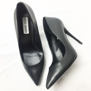 STEVE MADDEN Black Leather Pointed Toe Stilettos